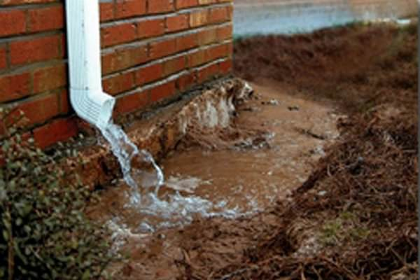Downspouts, running water, gutters | Waldon Services